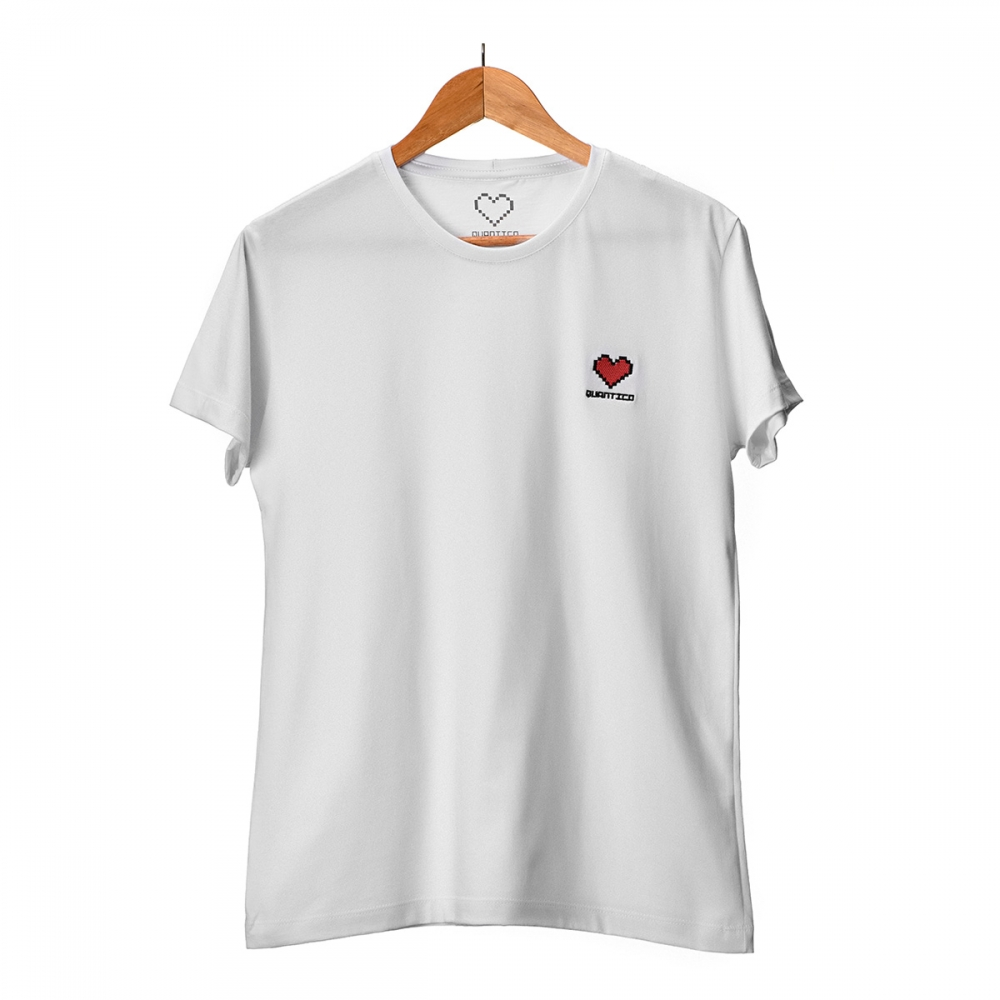 Camiseta Branca Coração Bordado Quântico