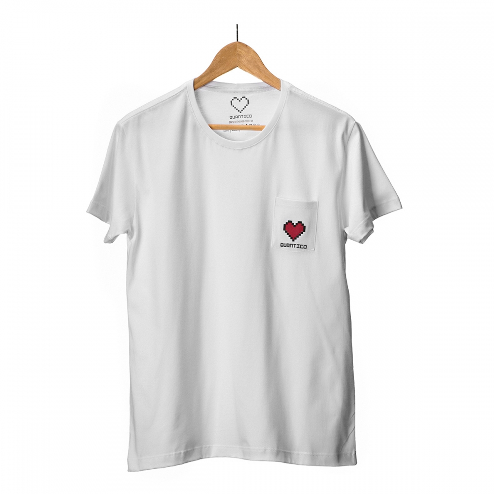 Camiseta Branca com Bolso Quântico